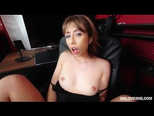SisLovesMe - Daphne Dare (Pussy Eating Practice On Stepsis)